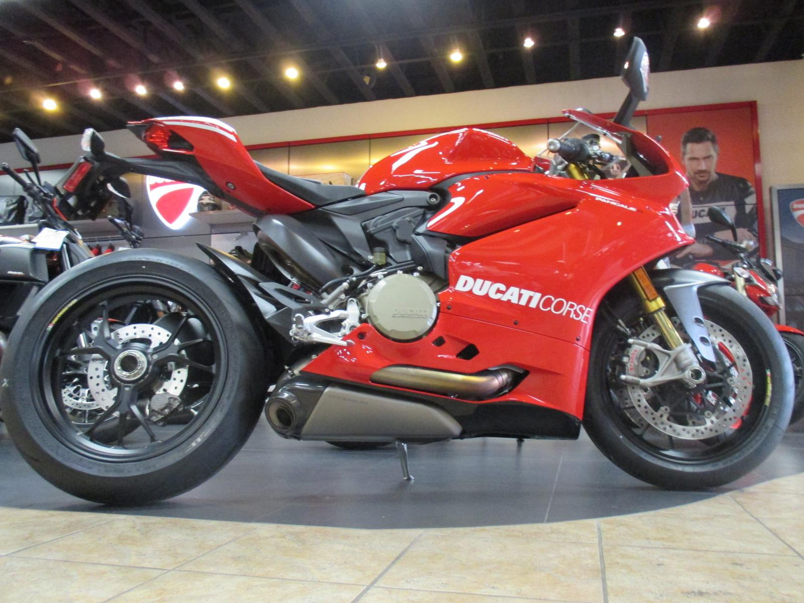 2015 Ducati PANIGALE R, motorcycle listing