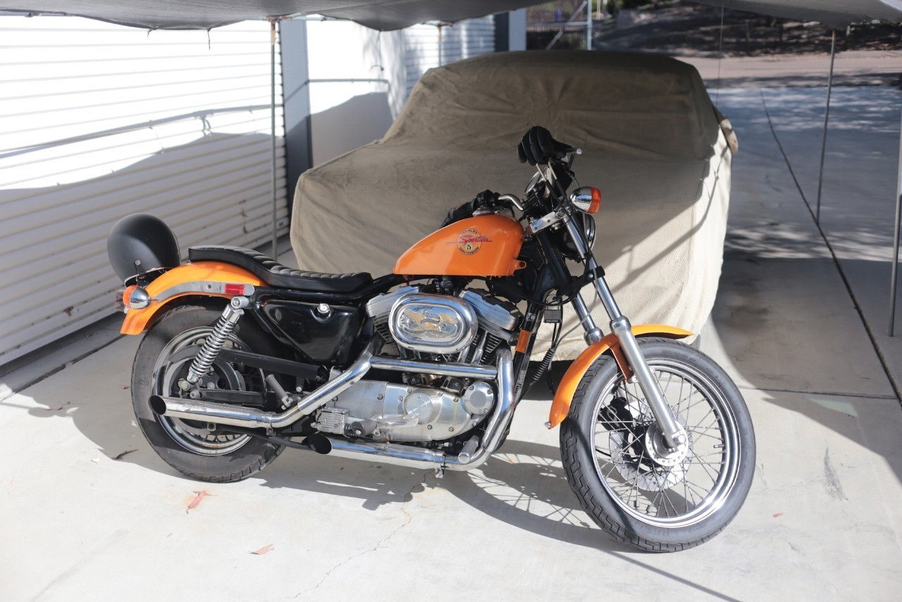 1991 Harley-Davidson Sportster 883 DELUXE, motorcycle listing