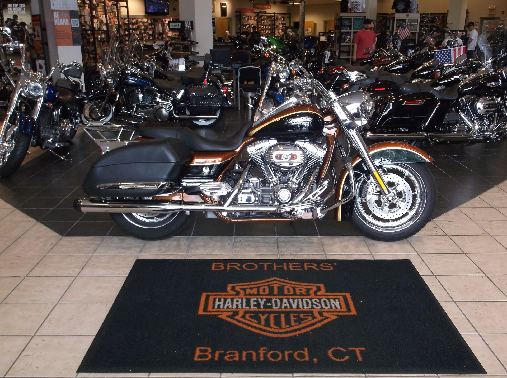 2008 Harley-Davidson CVO™ Screamin' Eagle® Road King®, motorcycle listing