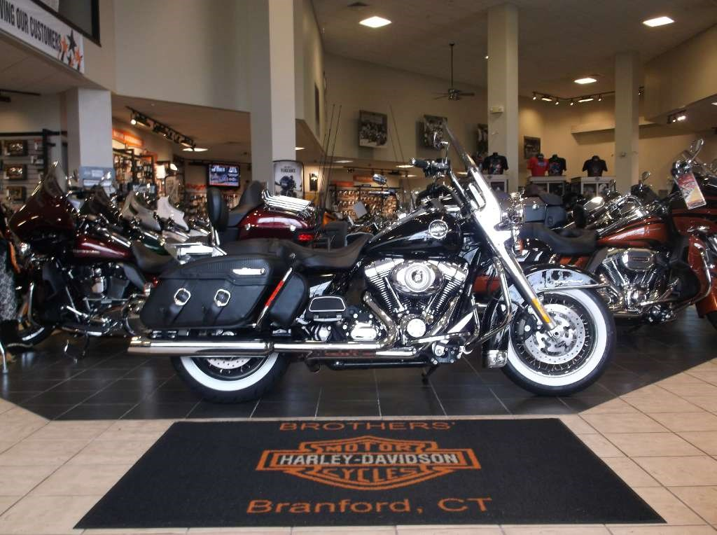 Harley Motorcycles For Sale >> 2010 Harley Davidson Road King Classic Motorcycle From