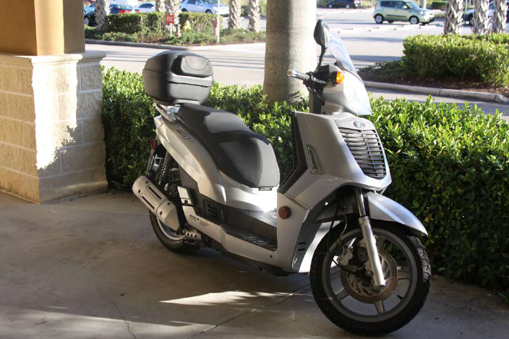 2007 Kymco People S 250, motorcycle listing