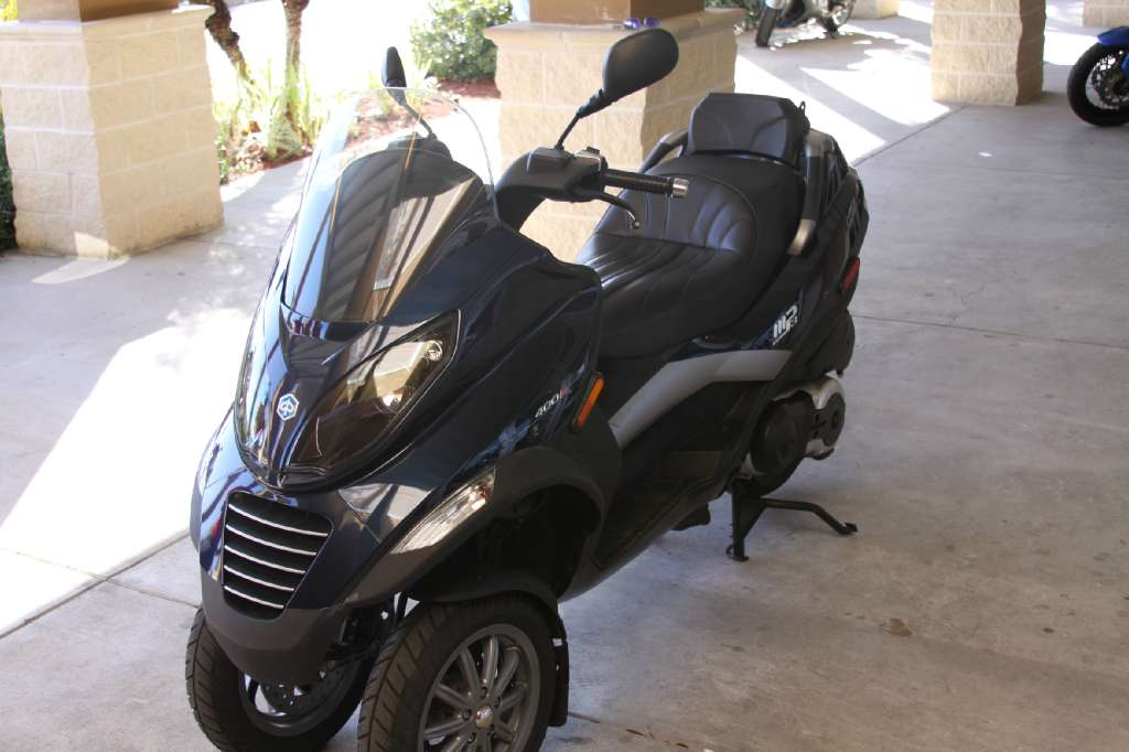 2009 Piaggio MP3 400, motorcycle listing