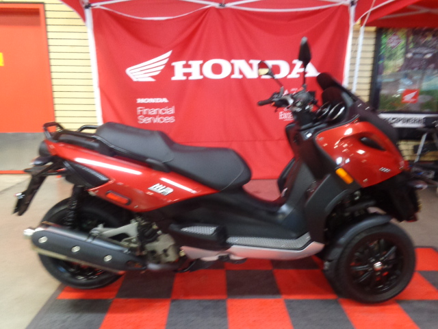 2009 Piaggio MP3 500, motorcycle listing