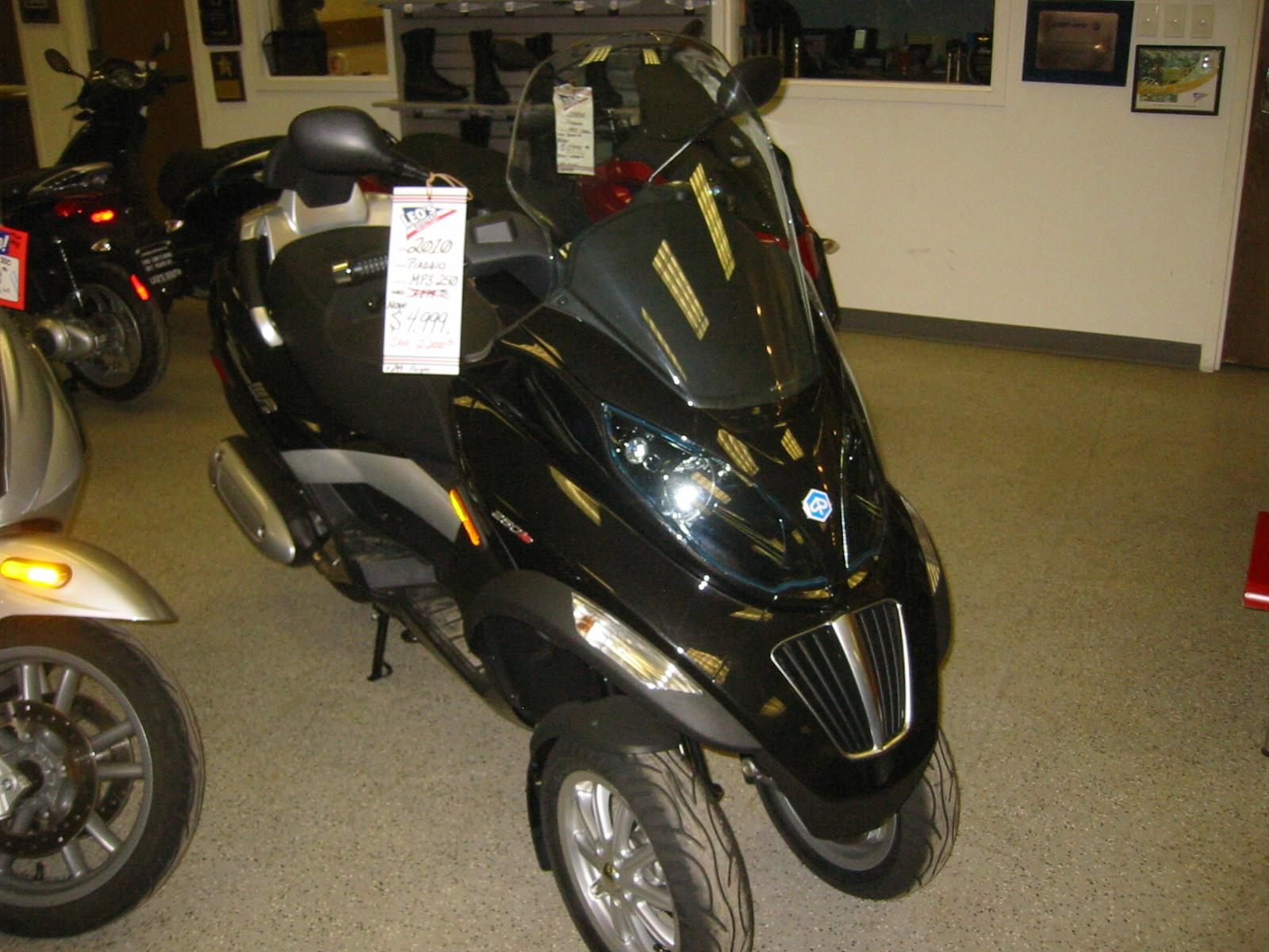 2010 Piaggio MP3 250, motorcycle listing