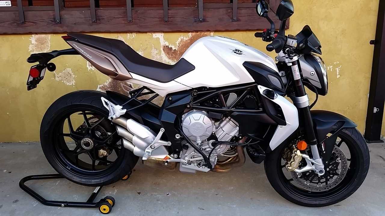 2015 Mv Agusta BRUTALE 675 WITH EAS , motorcycle listing