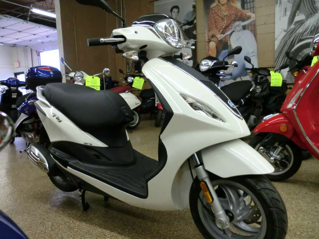 2015 Piaggio Fly 150 3V, motorcycle listing