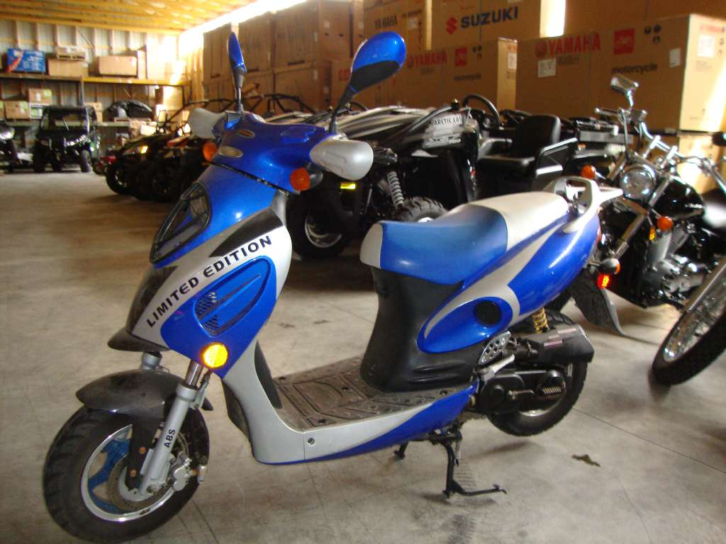 2008 Roketa 50cc LTD Scooter, motorcycle listing