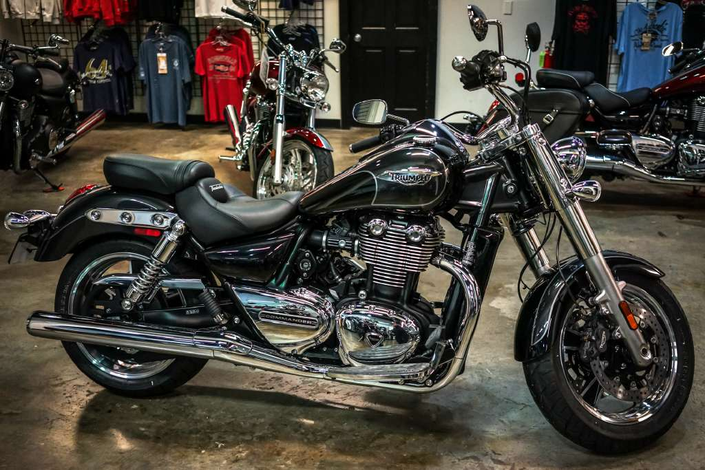2014 Triumph Thunderbird Commander, motorcycle listing
