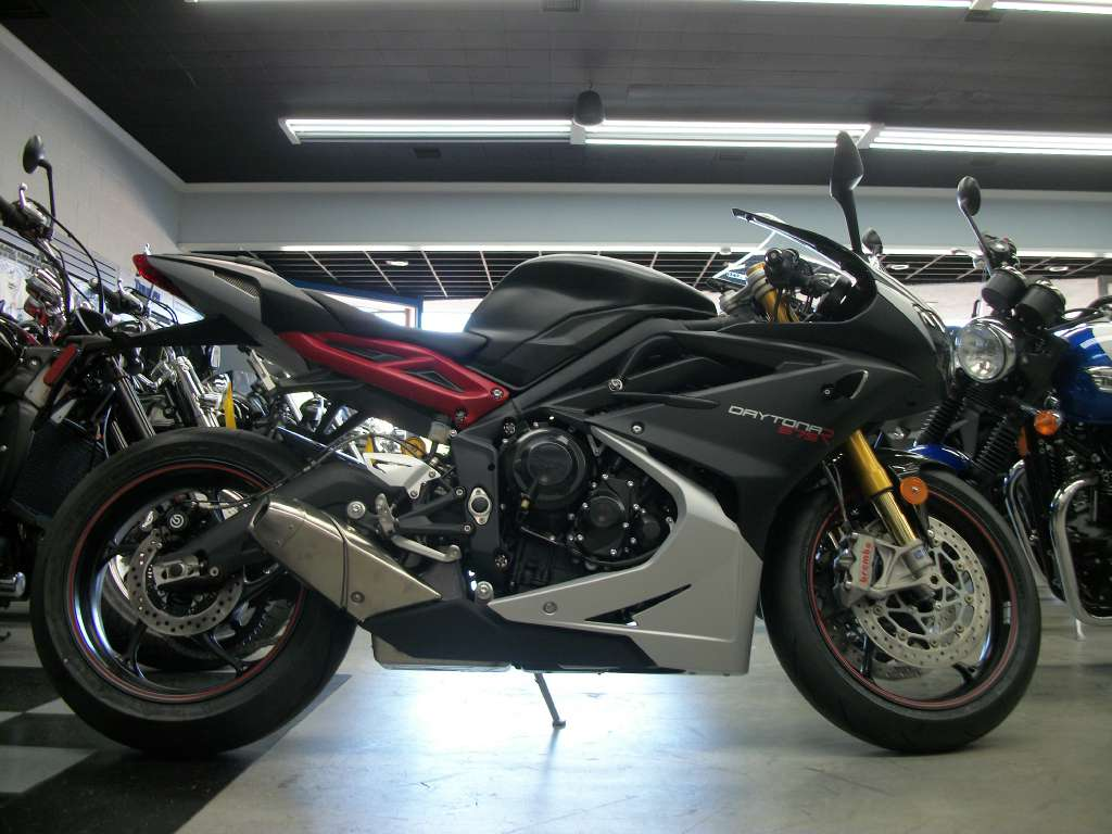 2015 Triumph Daytona 675R ABS, motorcycle listing
