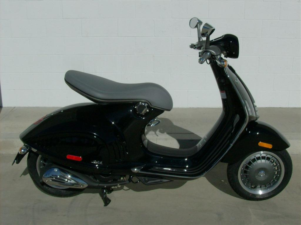 2013 Vespa 946 (150 3V ABS), motorcycle listing