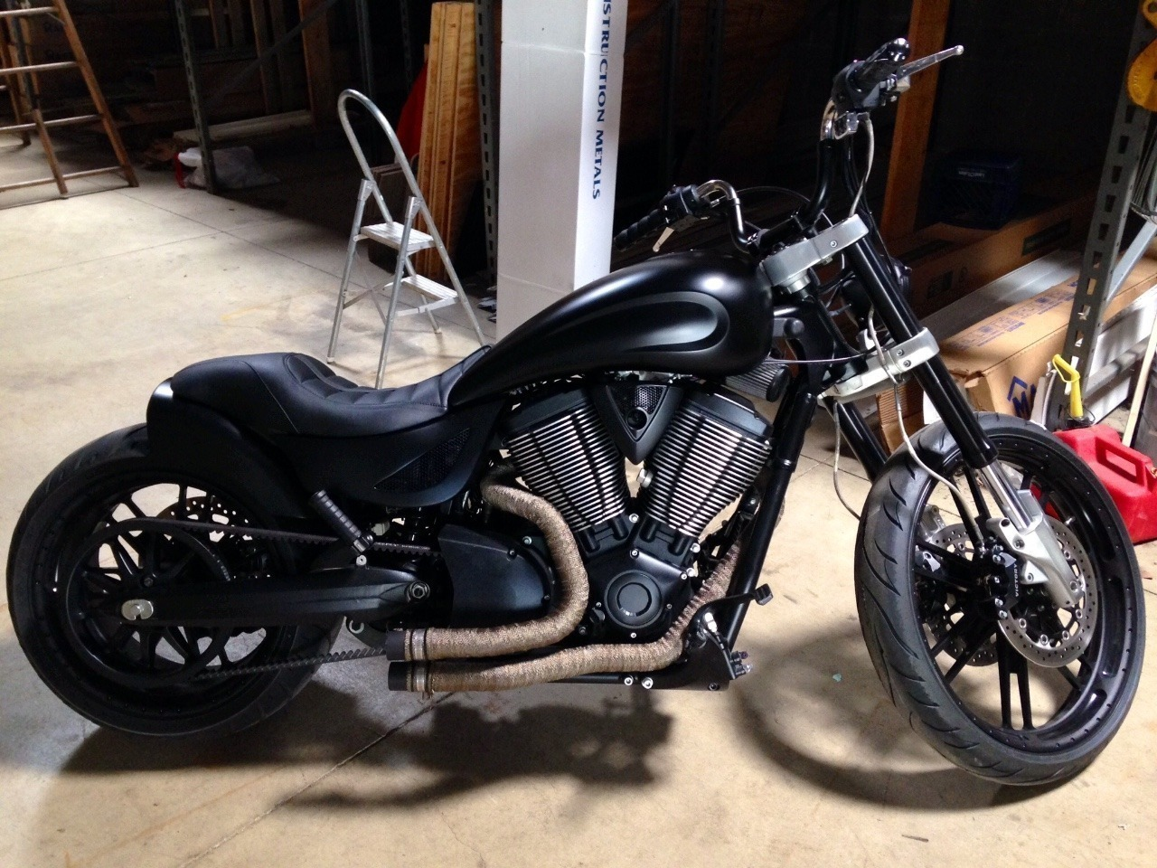 2009 Victory Hammer PREMIUM, motorcycle listing