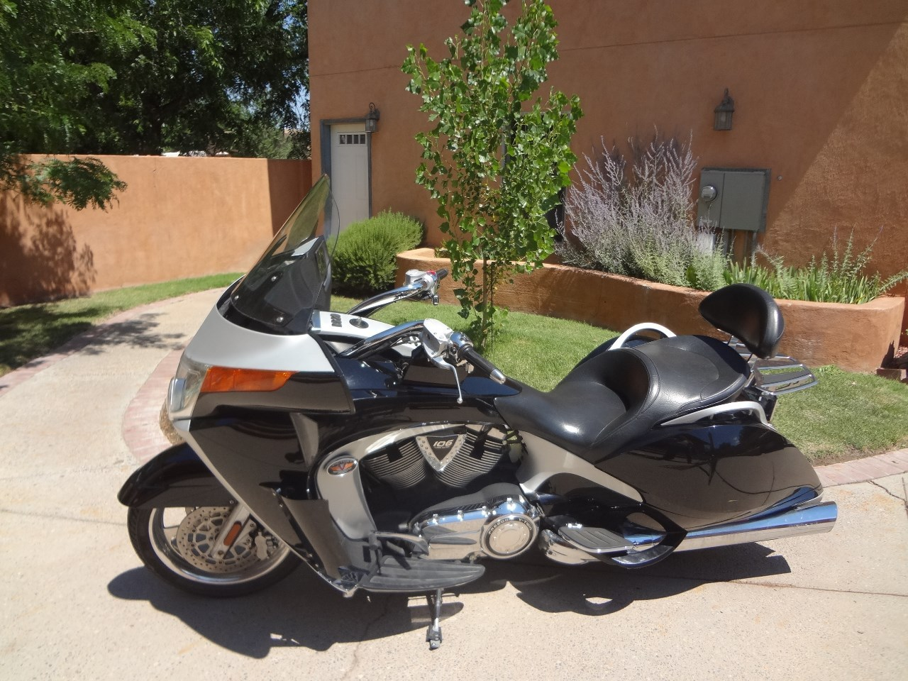 2009 Victory Vision STREET, motorcycle listing