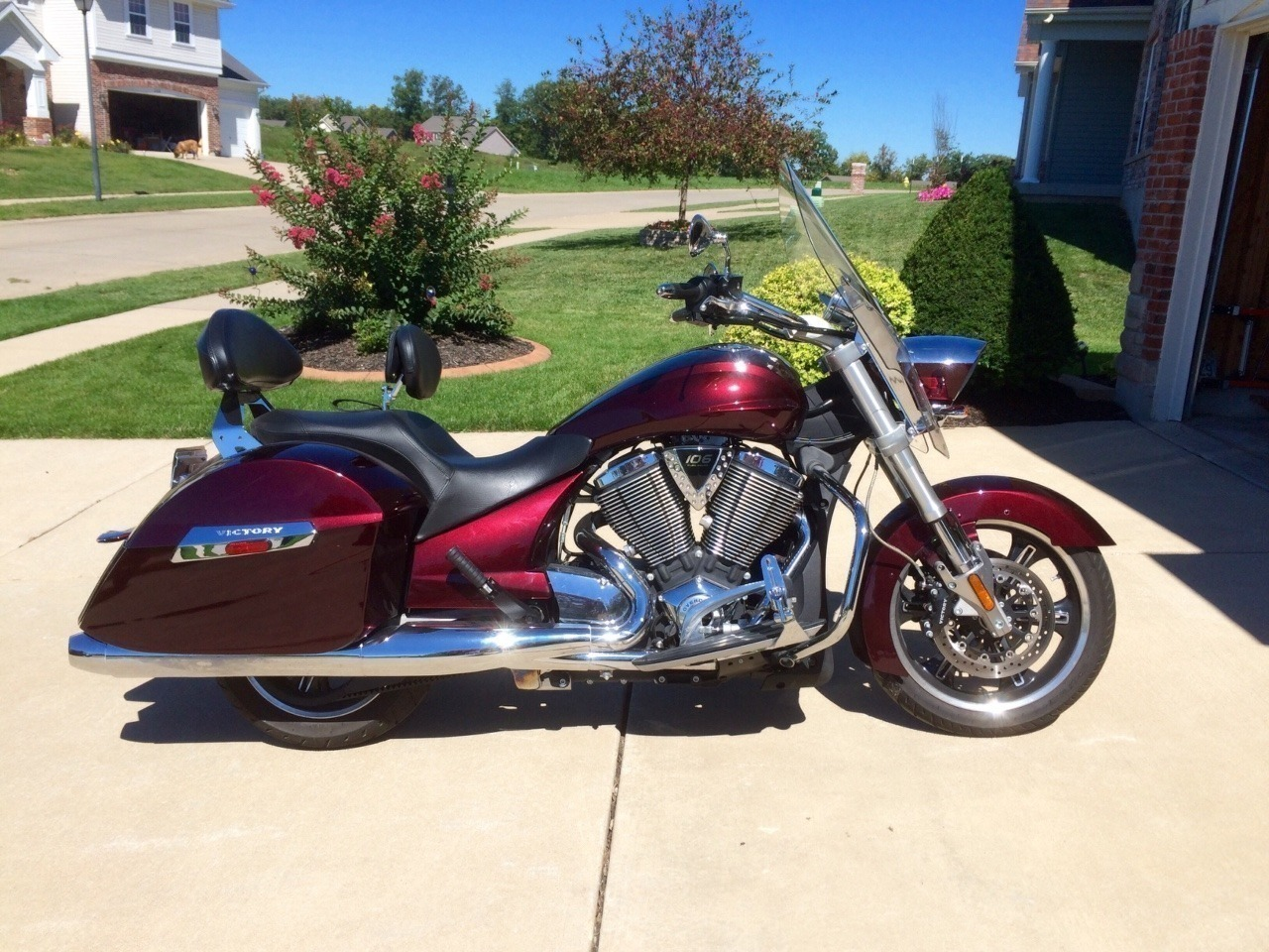 2010 Victory Cross Roads CLASSIC, motorcycle listing
