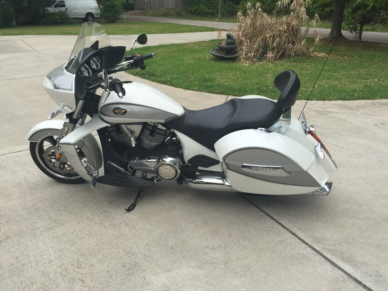 2011 Victory Cross Country TOUR, motorcycle listing