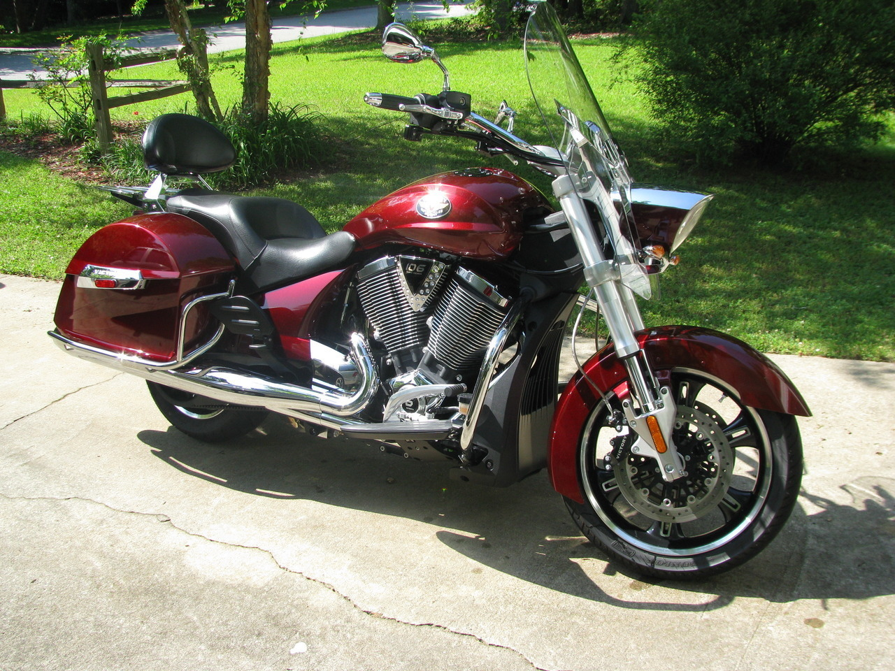 2011 Victory Cross Roads CLASSIC, motorcycle listing