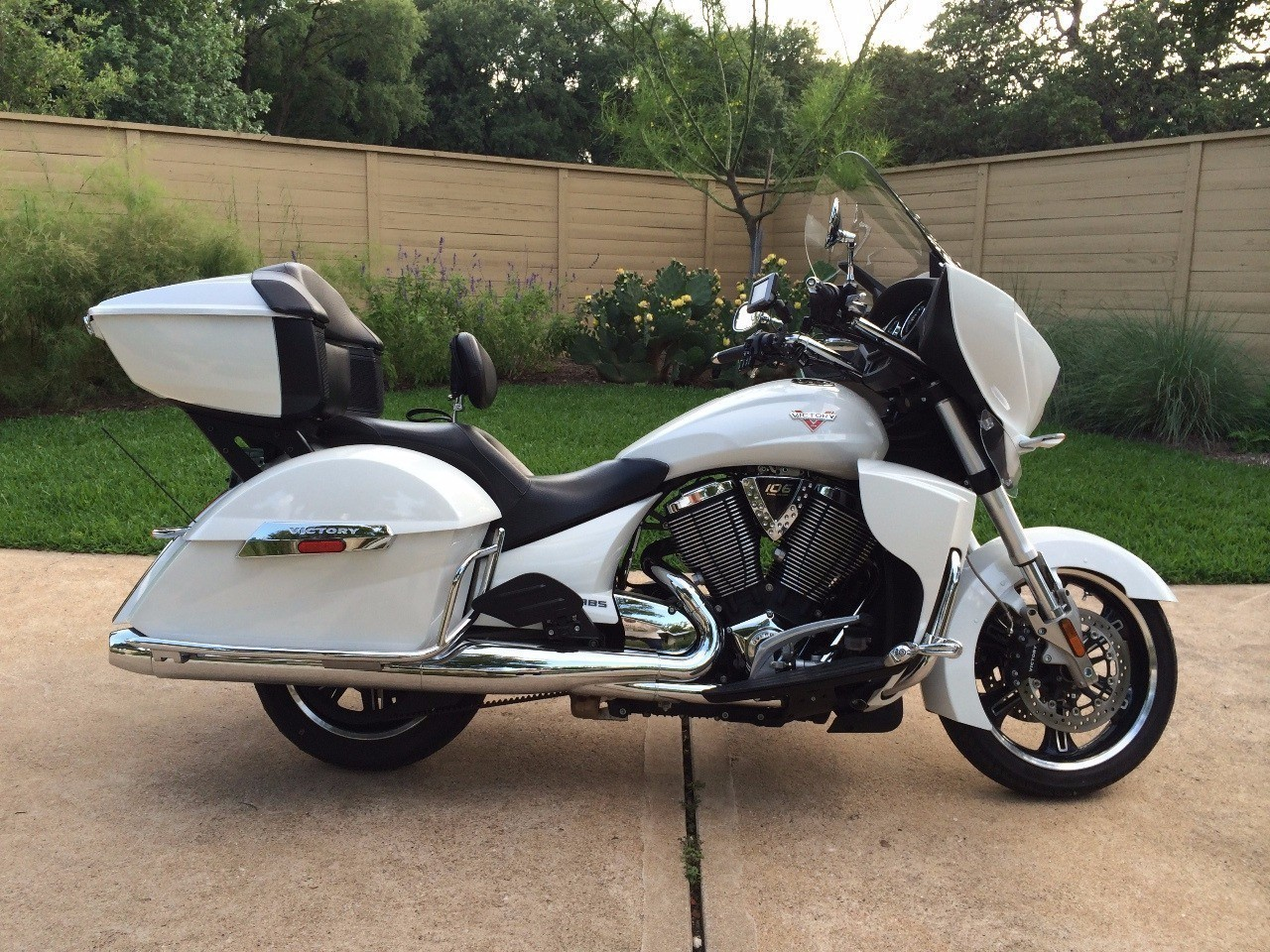 2012 Victory Cross Country TOUR, motorcycle listing