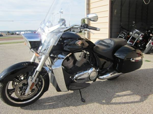 2012 Victory Cross Roads CLASSIC, motorcycle listing