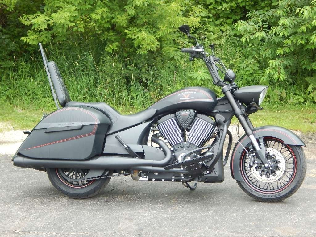 2013 Victory HARD-BALL, motorcycle listing