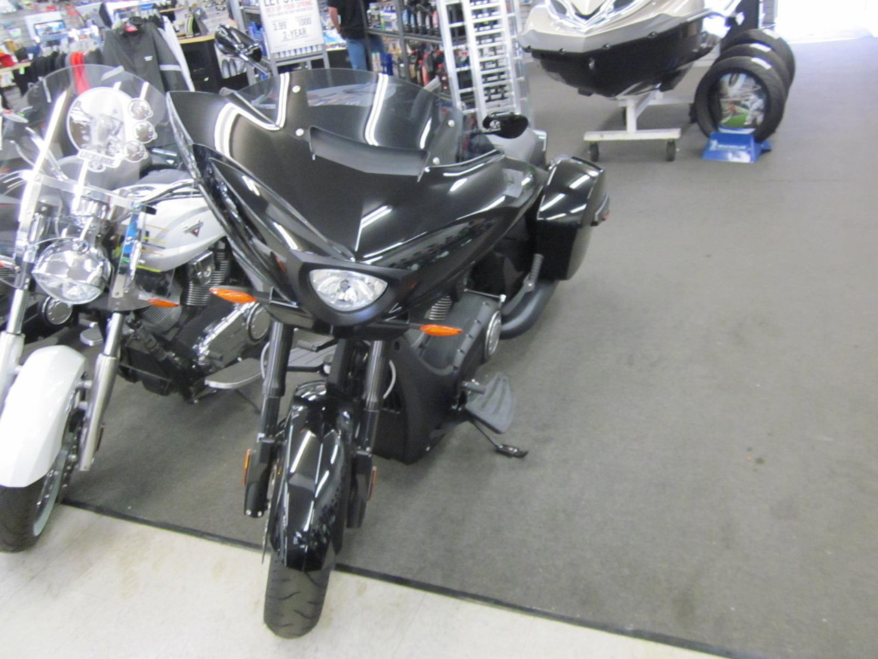 2015 Victory CROSS COUNTRY 8 BALL, motorcycle listing