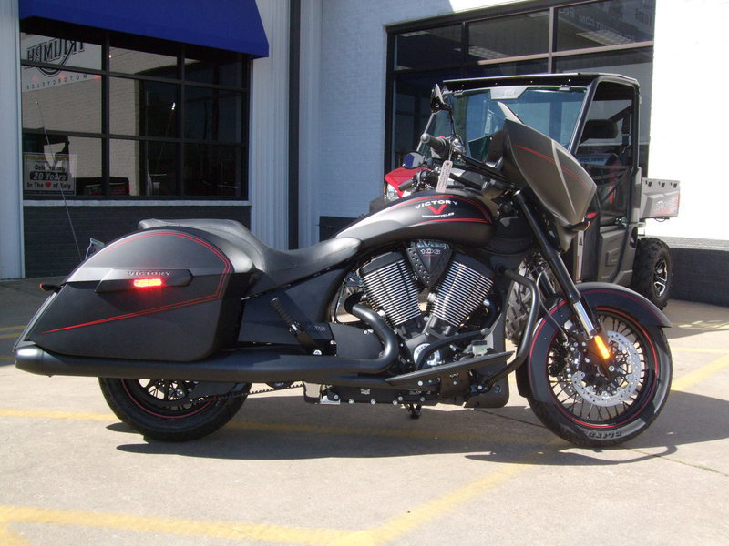 2015 Victory Cross Country Suede Black with Red Pinst, motorcycle listing