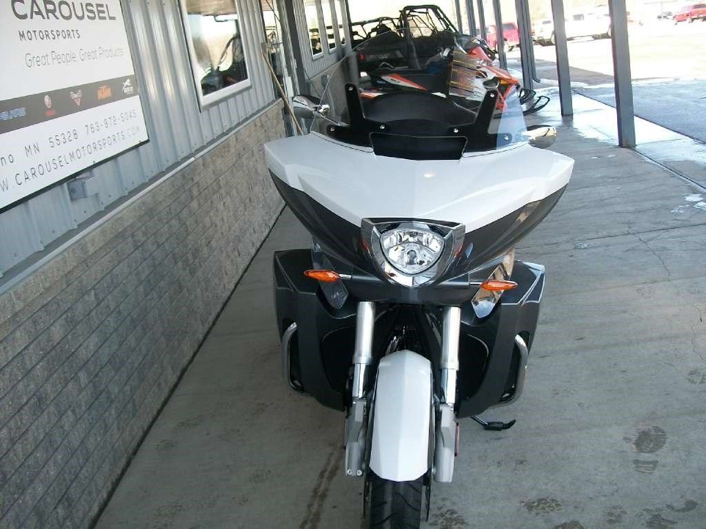 2015 Victory Cross Country Tour®, motorcycle listing