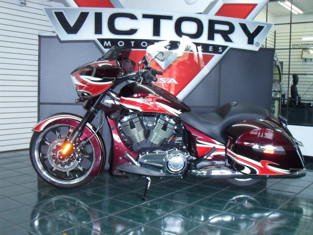 2015 Victory Ness Magnum™, motorcycle listing