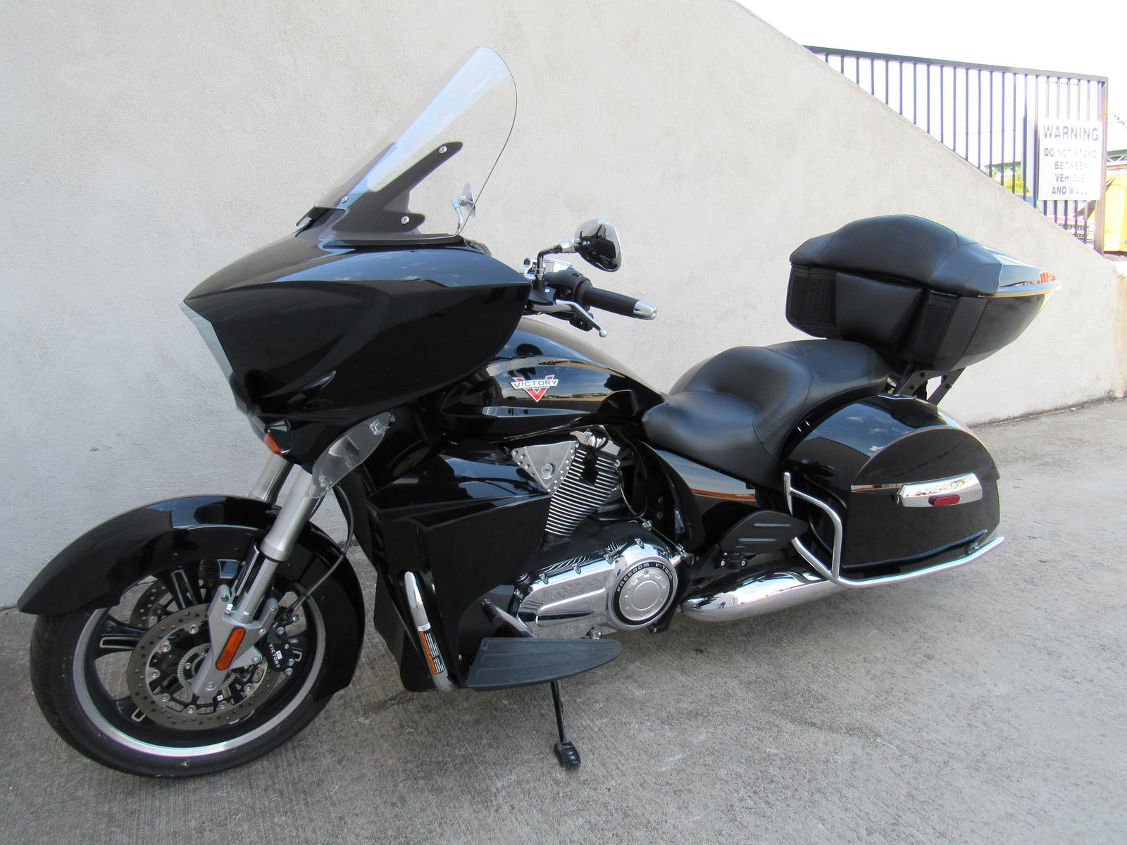 2015 Victory Victory Cross Country Tour, motorcycle listing