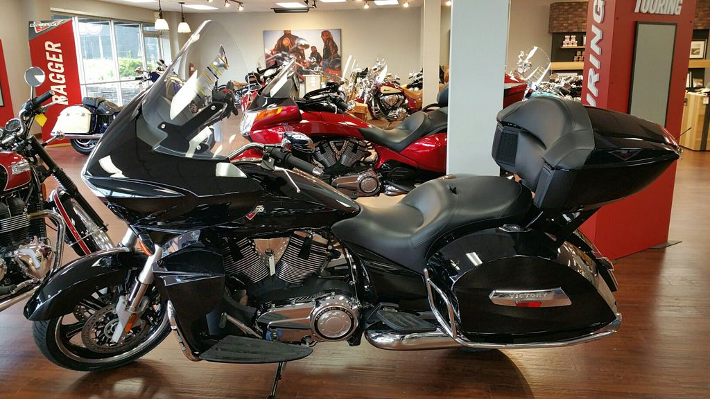2015 Victory Cross Country Tour, motorcycle listing