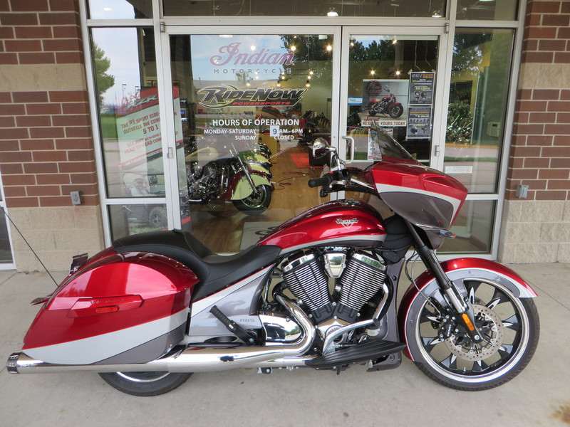 2015 Victory Magnum Magnum Red over Super Steel Gray, motorcycle listing