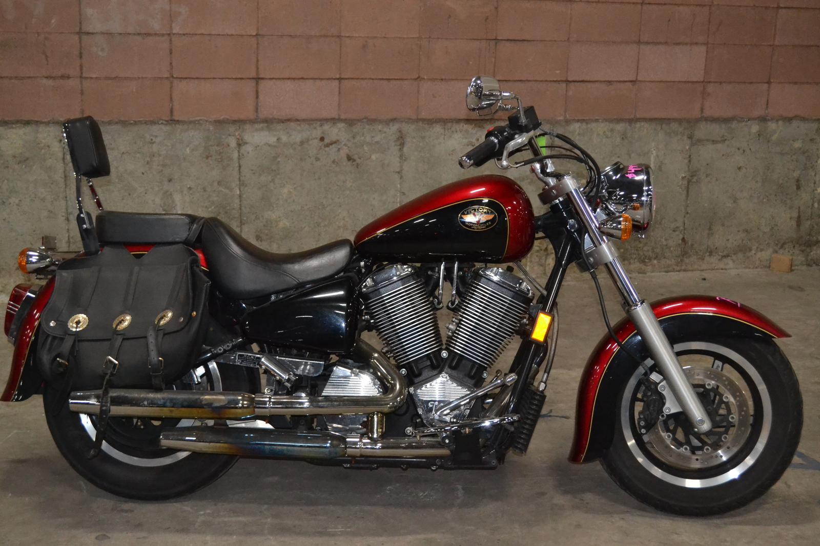 1999 Victory V92C, motorcycle listing