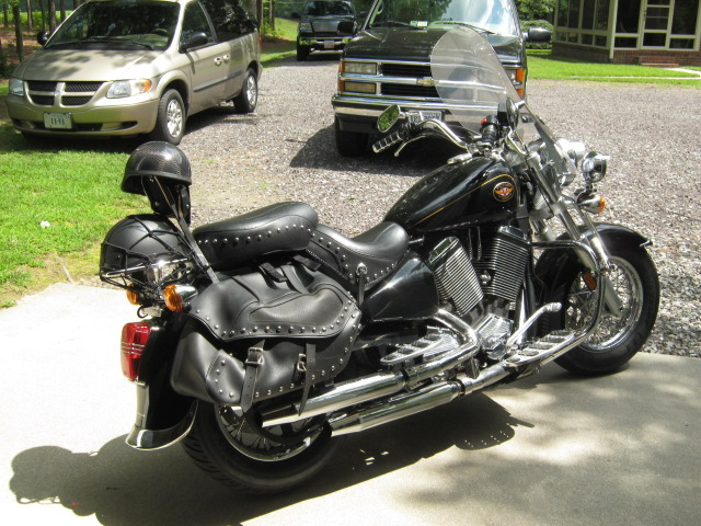 2001 Victory V92 SC SPORT CRUISER, motorcycle listing