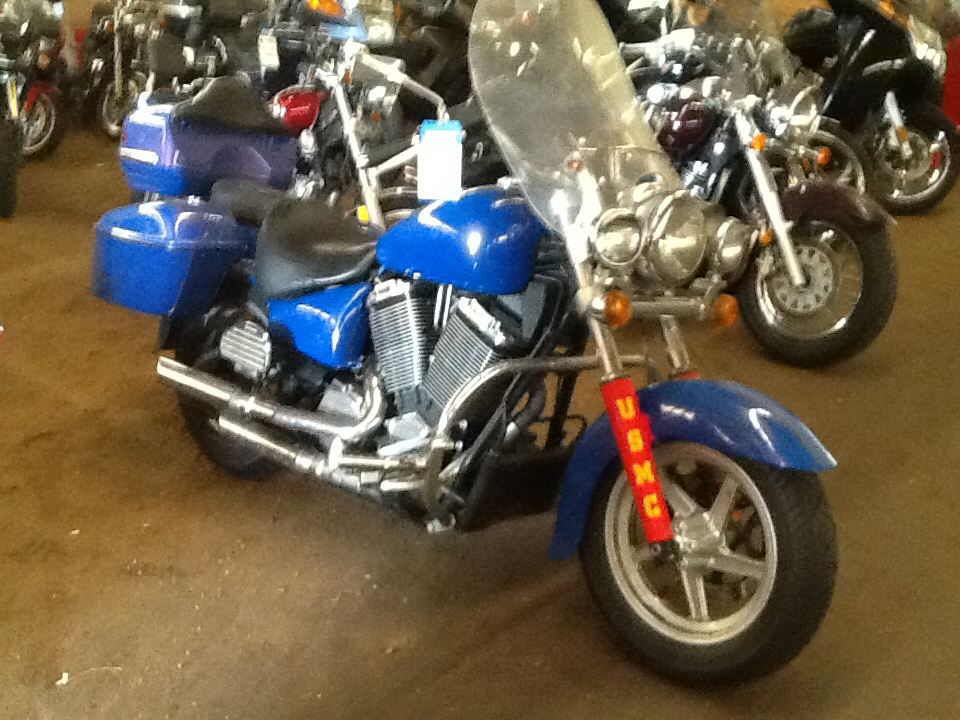 2001 Victory V92C Deluxe, motorcycle listing