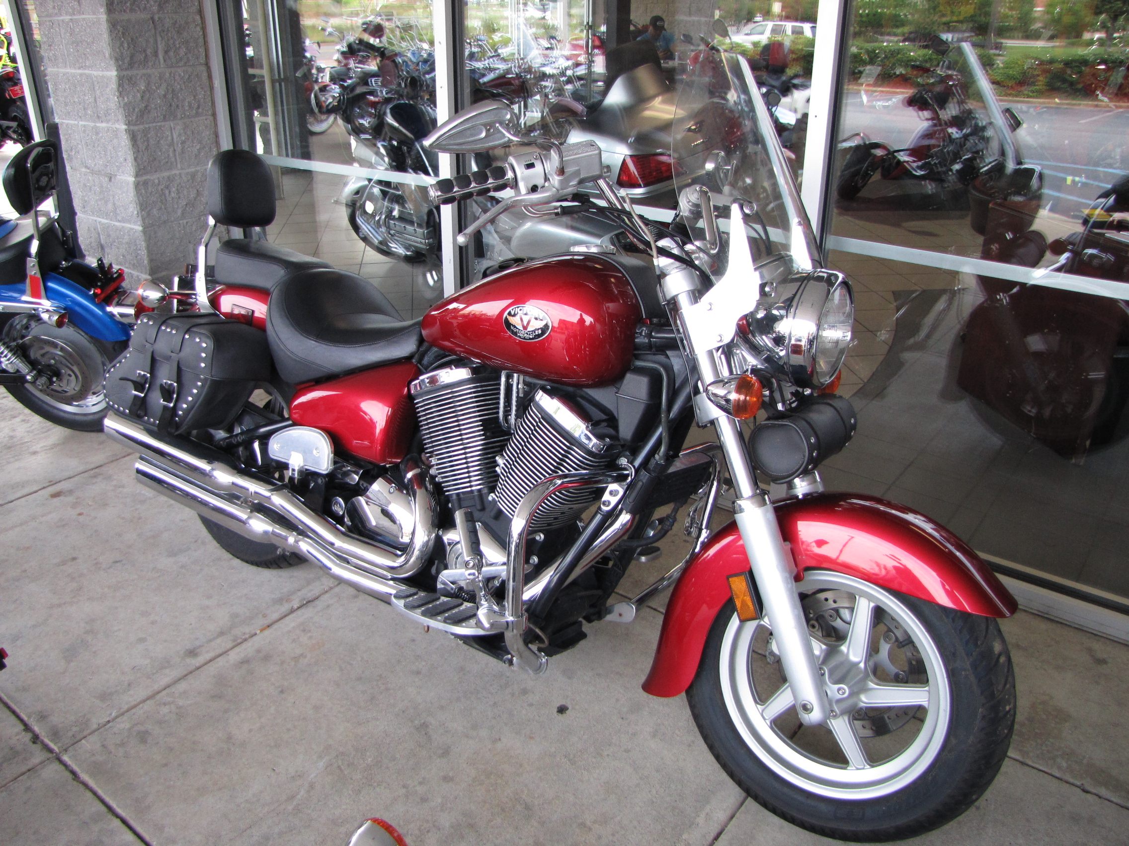 2003 Victory V92C Classic, motorcycle listing