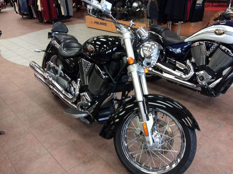 2004 Victory Kingpin, motorcycle listing