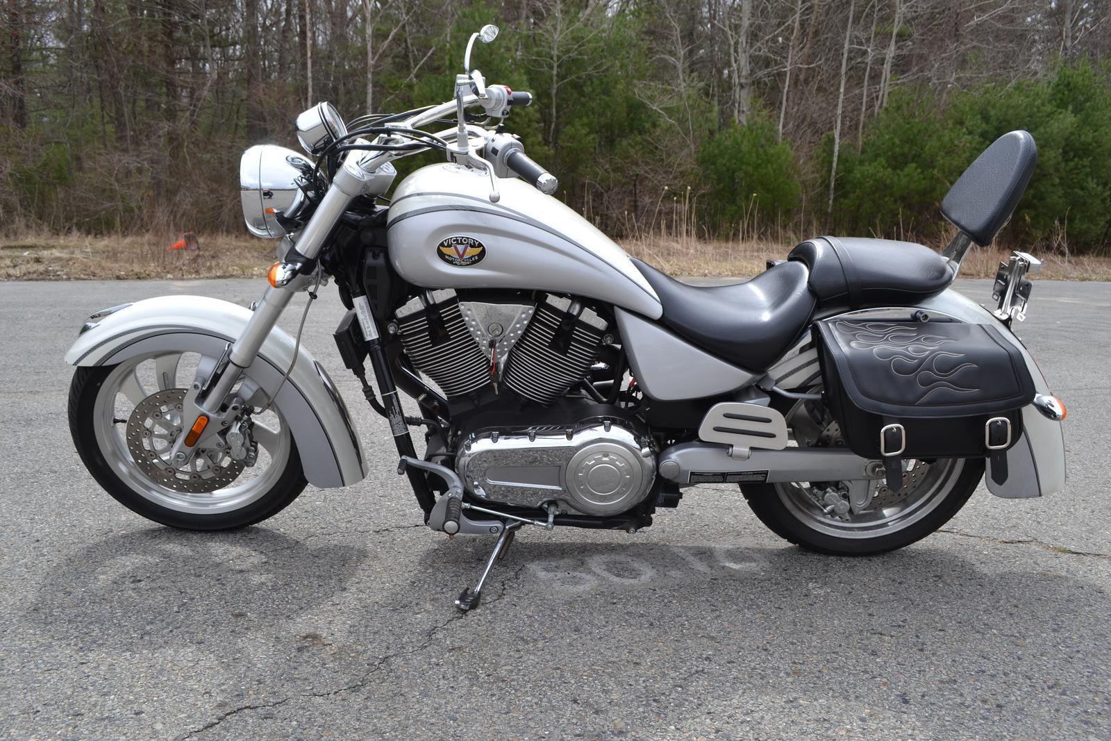 2005 Victory Kingpin, motorcycle listing