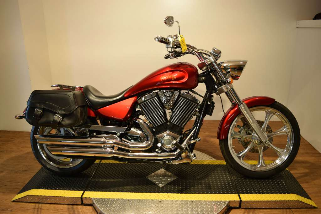2005 Victory Ness Signature Vegas, motorcycle listing