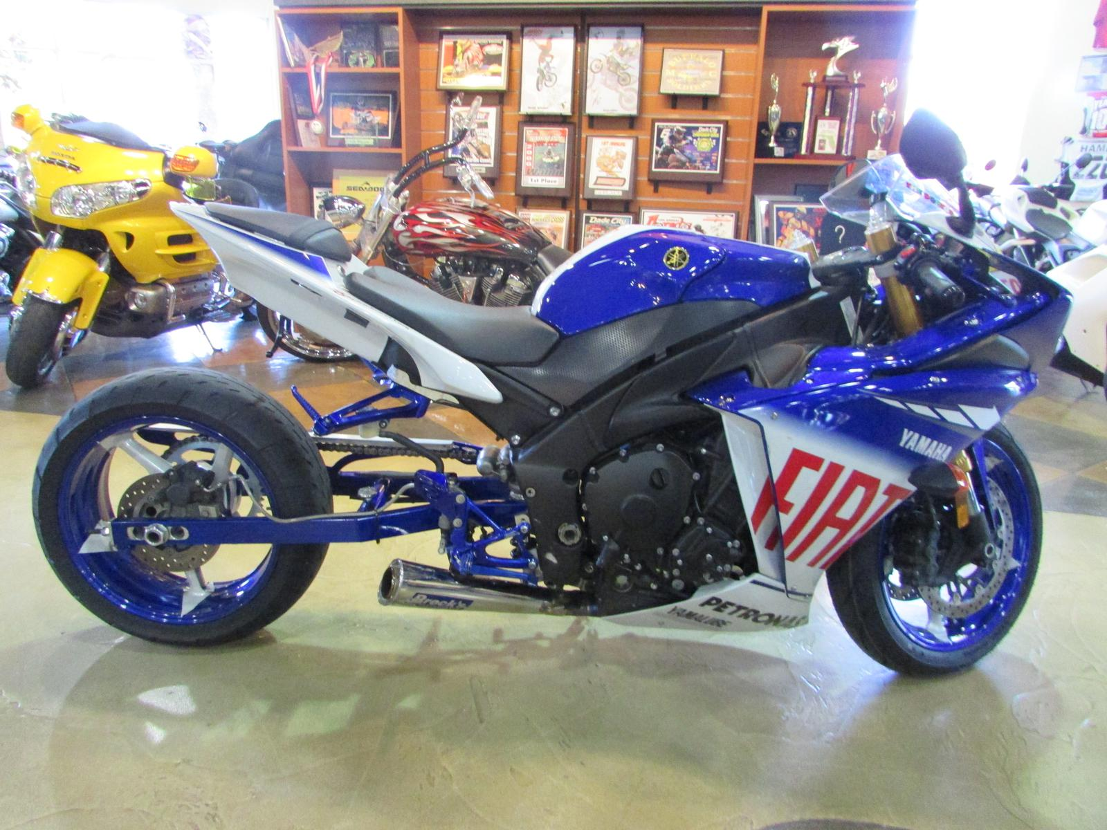 2010 Yamaha YZF-R1 FIAT LE, motorcycle listing
