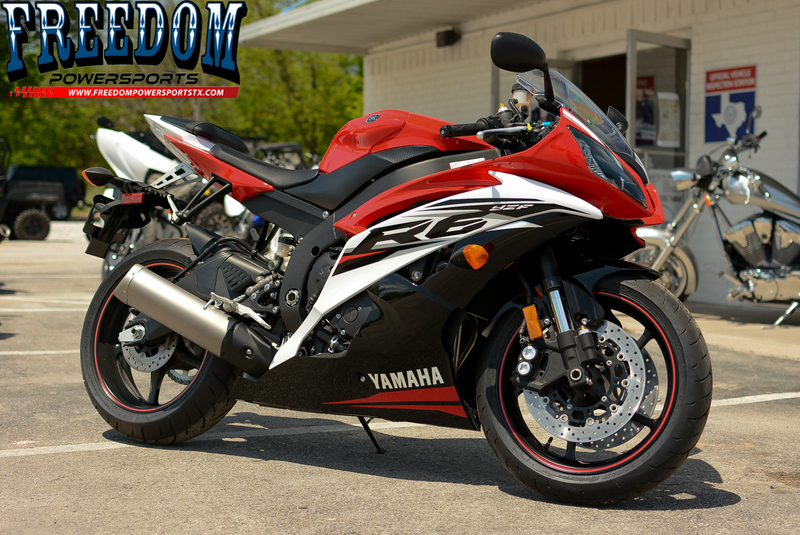 2014 Yamaha YZF-R6 Two-tone, motorcycle listing
