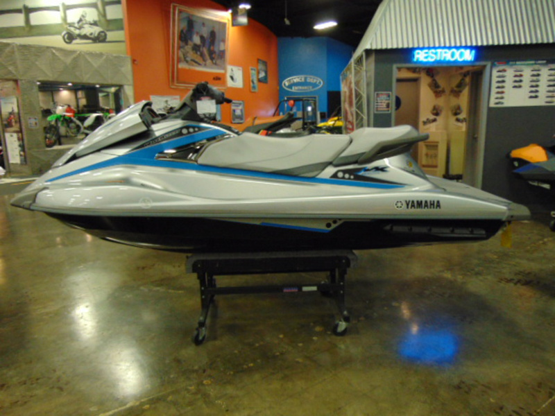 2015 Yamaha VX Deluxe, motorcycle listing
