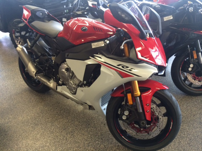 2015 yamaha yzf r1 motorcycle from bellflower ca today sale 16 490. Black Bedroom Furniture Sets. Home Design Ideas